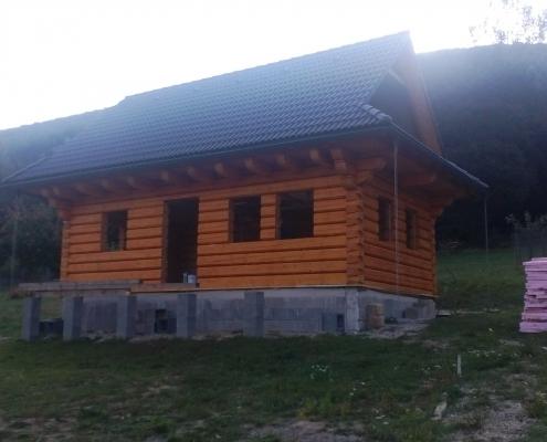 Isokor - výbrus a náter novej drevenice